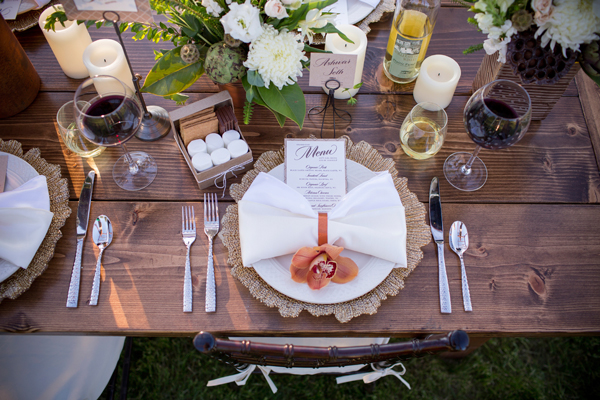 How To Throw a Proper Thanksgiving Event